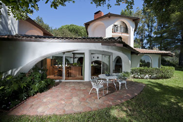 Topanga Canyon and Malibu Real Estate Staging on Colina Drive